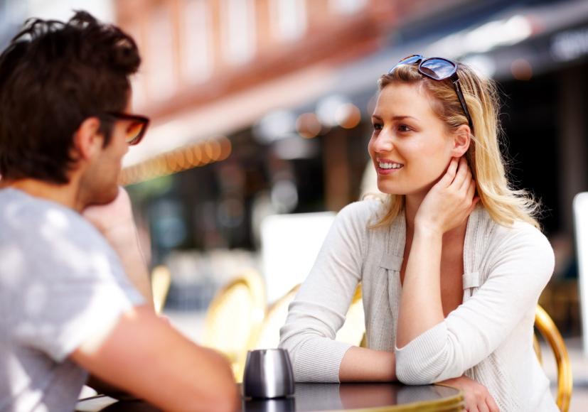 Was rede ich mit Frauen beim ersten Date? Anregender Gesprächsstoff