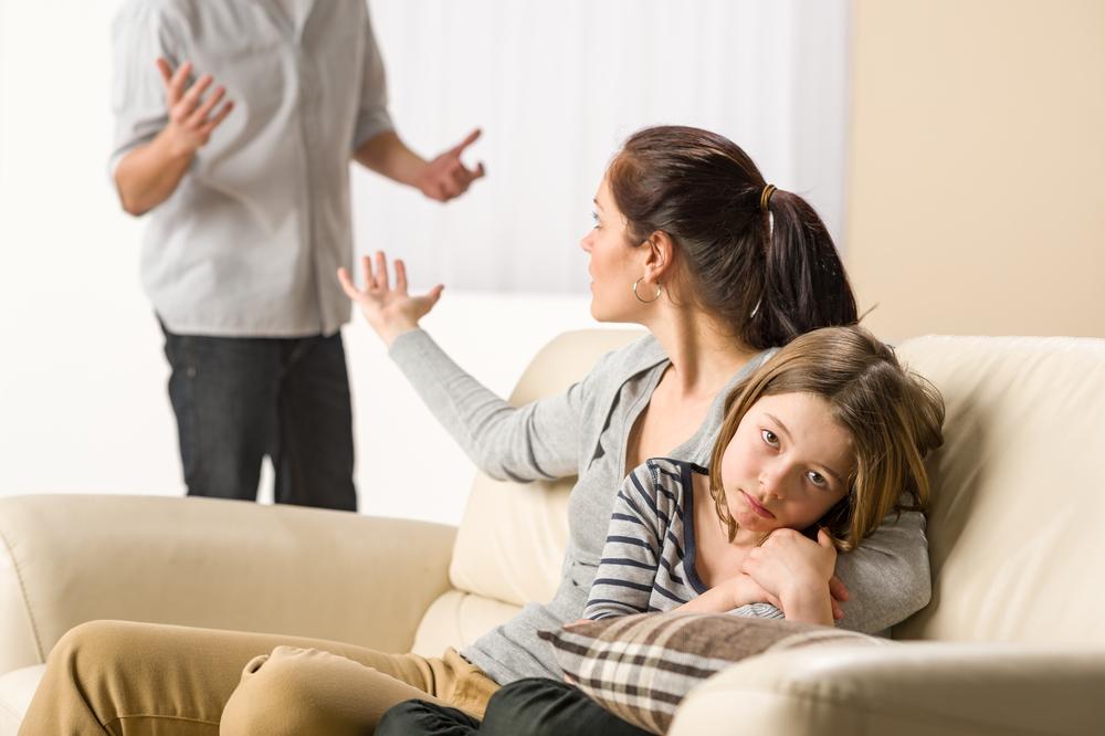 Trennung mit Kindern: Streit um die Erziehung beenden