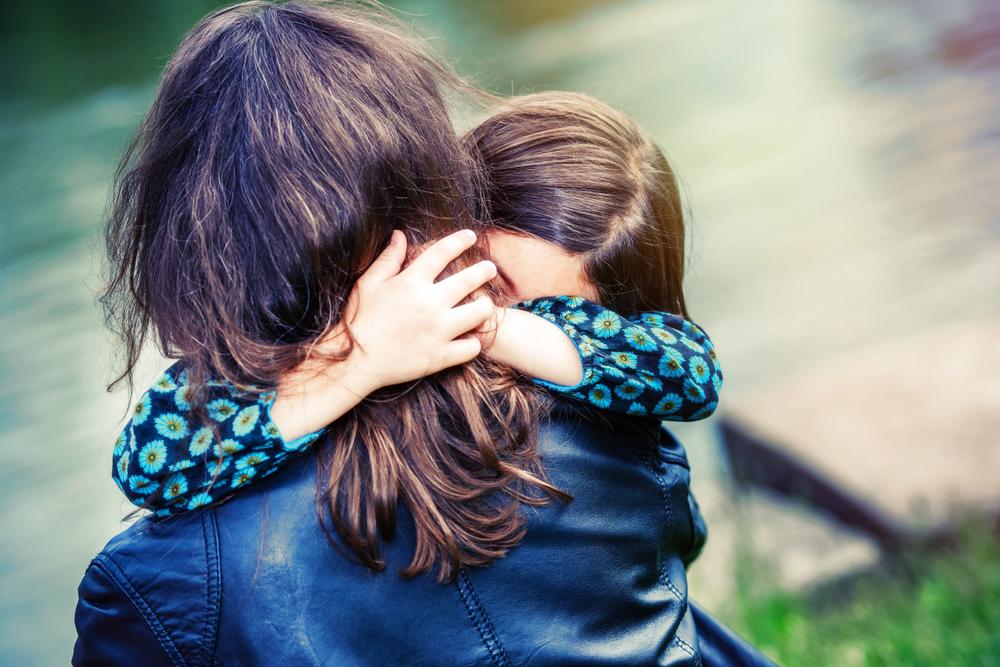 Der richtige Umgang mit Ängsten vor den Kindern